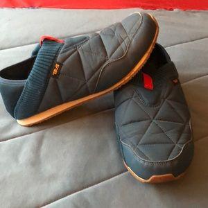 Teva Shoes - Teva Men's Size 11 slippers. Blue - hard soled.